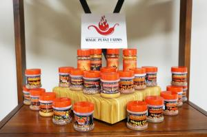 Chili-pepper-powder-and-flakes-for-retail